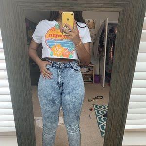 Cropped, cutout, grand cayman shirt
